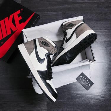 Hàng Chính Hãng Nike Jordan 1 Retro High Dark Mocha 2020** V