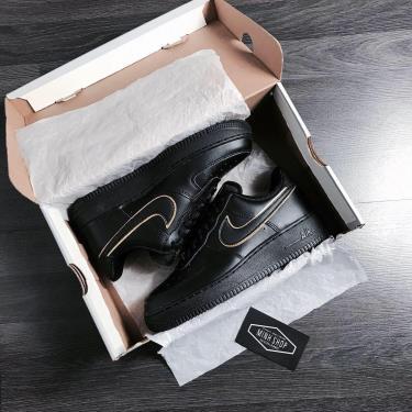 Hàng Chính Hãng Nike Air Force 1 Low All Black Gold Swoosh 2020**