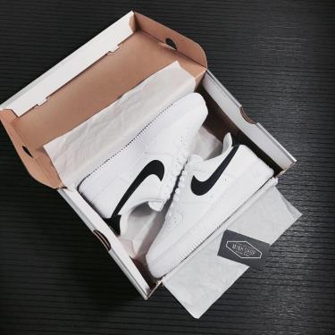 -750K  Nike Air Force 1 '07 'White Black' **