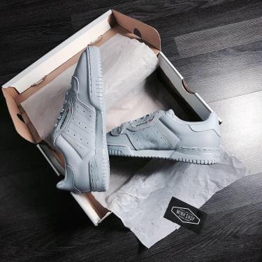 Hàng Chính Hãng Adidas Yeezy Powerphase Calabasas 'Grey'  2020**