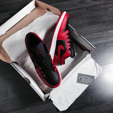 Hàng Chính Hãng Nike Jordan 1 Low Reverse Bred 2020**