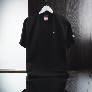 Hàng Chính Hãng Áo Thun Champion Heritage Embroidered Script Logo Black 2020**