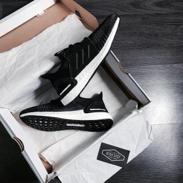 MUA 1 TẶNG 1~ Hàng Chính Hãng Adidas Ultra Boost 5.0 Black/White GS 2020**