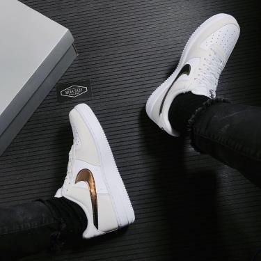 Hàng Chính Hãng Nike Air Force 1 '07 LV8 Metallic Summit White 2021**