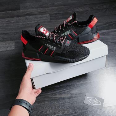Hang Chinh Hang Adidas Nmd R1 V2 Black Solar Red 2020