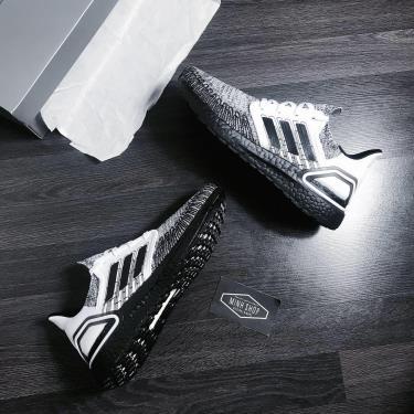 Hàng Chính Hãng Adidas Ultra Boost 6.0 Oreo 2020** V