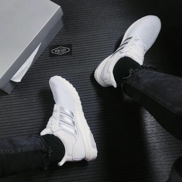 Hàng Chính Hãng Adidas Ultra Boost DNA Cloud White Silver Metallic 2021**