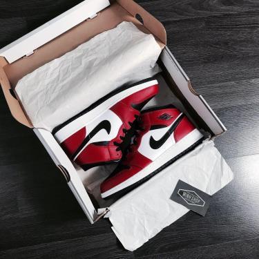 Hàng Chính Hãng Nike Jordan 1 Mid Chicago Black Toe GS  2021** V