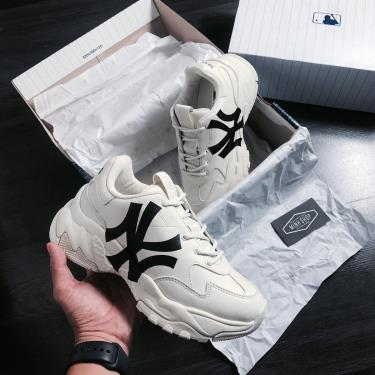 FLASH DEAL Hàng Chính Hãng MLB New York Yankees Sneakers - Big Ball Chunky A Cream/Black LOGO  **2020**