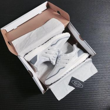 Giày Adidas Ultra Boost Reflective 'Crystal White' [EG8104]