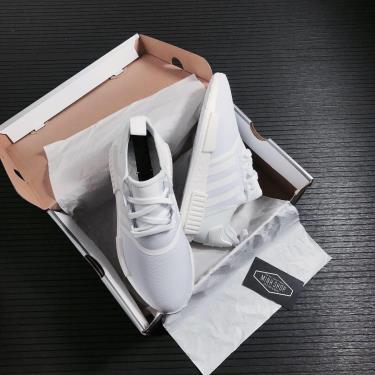 Giày Adidas NMD R1 'Triple White' ** [FY9384]