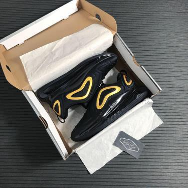 Hàng Chính Hãng Nike Air Max 720 'Black Metallic Gold' 2021**