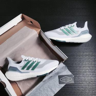 giay-adidas-ultra-boost-21-7-0-white-sub-green-fz2326