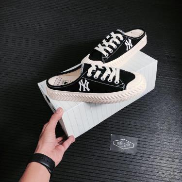 BEST SELLER Hàng Chính Hãng MLB PlayBall Origin Mule York Yankees Shoes Black 2021**