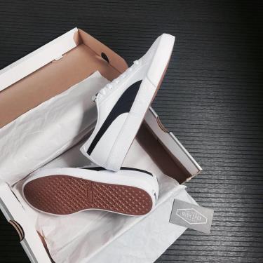 giay-puma-bari-z-sneakers-white-black-373033-01