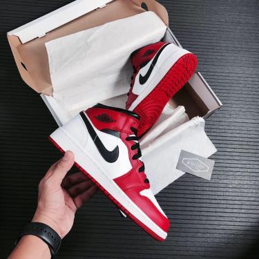 Giày Nike Air Jordan 1 Mid 'Chicago' Red/White GS [554725-173]