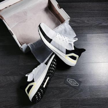 Sale70% Hàng Chính Hãng Ultra Boost 5.0 'White black y' 2020**