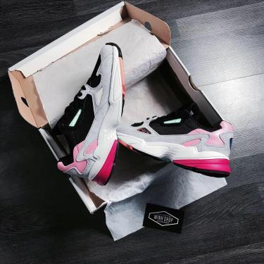 giay-adidas-falcon-black-grey-pink-bb9173
