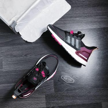 Adidas Ultra Boost 6.0 Black/pink