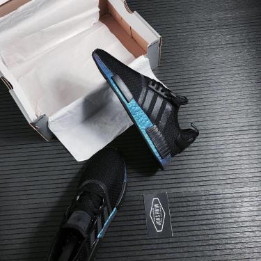 giay-adidas-nmd-r1-black-hologram-fv3645