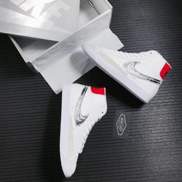 Hàng Chính Hãng Nike Blazer Mid White Graffiti Red Black 2021**