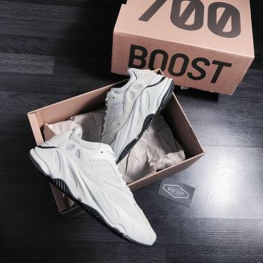 Hàng Chính Hãng Adidas Yeezy Boost 700 Salt 2020** V