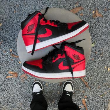 🌟Must Have🌟  sale 3️⃣5️⃣% Giày Nike Air Jordan 1 Mid Banned ** [554724 074]
