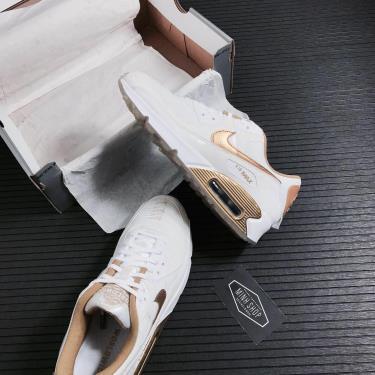 nike-air-max-90-worldwide-white-gold-da1342-170