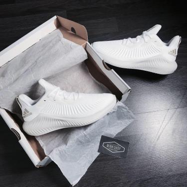 giay-adidas-alphabounce-plus-cloud-white-g28585