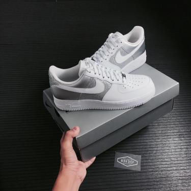 -1XXX Giày Nike Air Force 1 07 Low White Metallic Silver ** [DD6629 100]