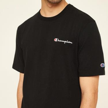 ao-thun-champion-heritage-embroidered-script-logo-black-o