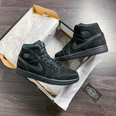 ''FLASH DEAL 50%'' Hàng Chính Hãng Nike Jordan 1 Mid Black/White 2020**