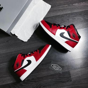 Giày Nike Jordan 1 Mid Chicago Black Toe GS V ** [554725 069]