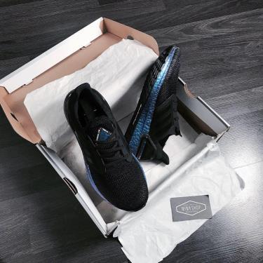 ''FLASH DEAL 50%~ '' Hàng Chính Hãng Adidas Ultra Boost 6.0 Black /Hologram J 2020**