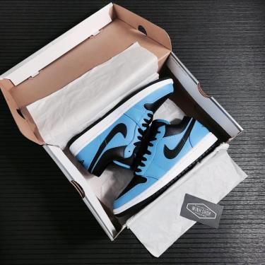 Hàng Chính Hãng Nike Air Jordan 1 Low 'University Blue Black' 2021**