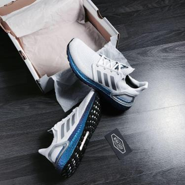 giay-adidas-ultra-boost-6-0-grey-hologram-eg0755-o