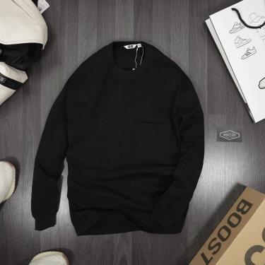 ao-sweater-uniqlo-black-flash-deal-50