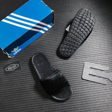 Hàng Chính Hãng Dép Adilette Boost Slides 'Triple Black' v2 **2021**  [FV6423] (fit chân 40-41 thoải mái ) apdung CK