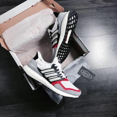 hang-chinh-hang-adidas-ultra-boost-s-l-white-grey-two-2021-ef2027
