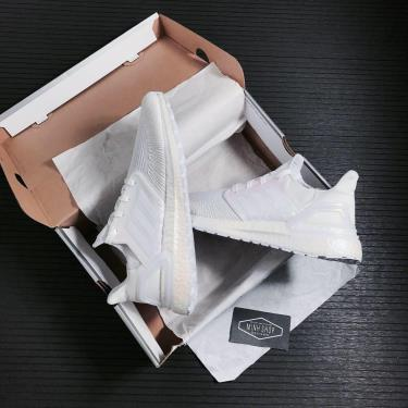 1-2-tag-adidas-ultra-boost-6-0-white-iridescent-fw8721